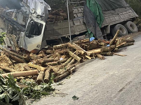 Ủy ban ATGT Quốc gia kiểm tra hiện trường vụ lật xe 7 người tử vong tại Thanh Hóa