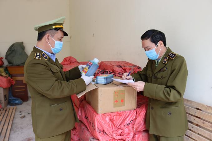 Lạng Sơn: Thu giữ 600 chai thuốc diệt cỏ siêu tốc không rõ nguồn gốc