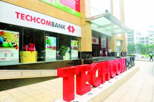 """Giữa """"bão"""" Covid-19, Techcombank bị tố đòi nợ theo kiểu xã hội đen, dồn khách hàng đến đường cùng"""