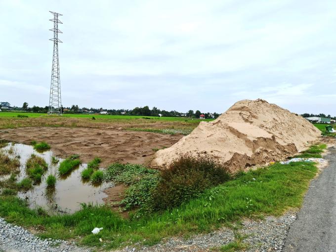 """Công ty Nhung Xuyến lấn chiếm hơn 10.000m2 đất, mặc cho Xã """"khản cổ"""" ngăn cấm"""