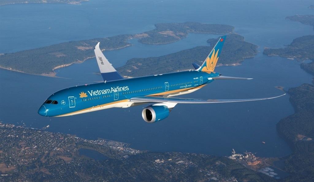 """Nguy cơ phá sản, cổ phiếu Vietnam Airlines vẫn """"bay cao"""""""