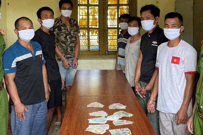 Quảng Ninh: Tạm giữ hình sự 7 đối tượng đánh bạc trên biển