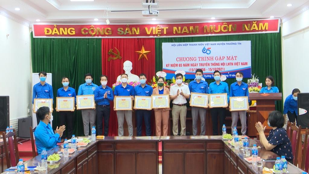 Khen thưởng 16 tập thể thanh niên huyện Thường Tín trong công tác phòng chống Covid-19