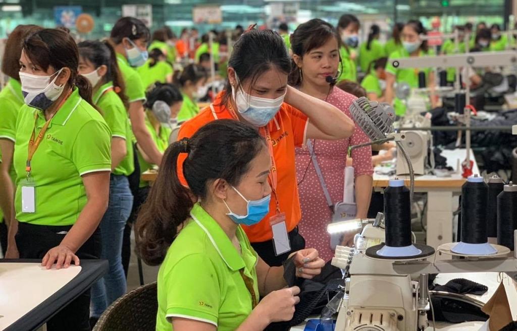 Kinh tế Việt Nam quý cuối năm sẽ phục hồi tốt khi mở cửa trở lại